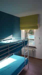 leuke kleur voor store in babykamer