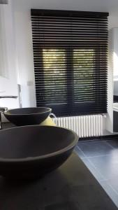 Emejing Zwarte Kitranden Badkamer Contemporary - New Home Design ...