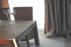 transp. store, og's gedrapeerd, sisal tapijt met boord