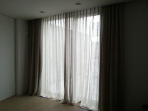 transparante linnen voiles met verduistergordijnen voor slpkamer