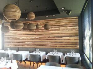 zwarte houten flexen-rest. Den Heerd (hotel Montanus)Brugge