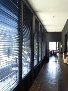houten horizontale flexen in restaurant Den Heerd Brugge